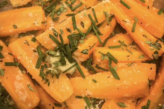 fresh carrots with horseradish and chives